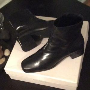 ENZO ANGIOLINI Superior leather upper BOOTIE